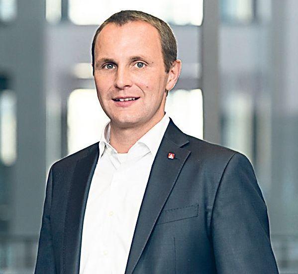 Michael Schmitzer, Ressortleiter der jungen IG Metall in der Frankfurter Zentrale